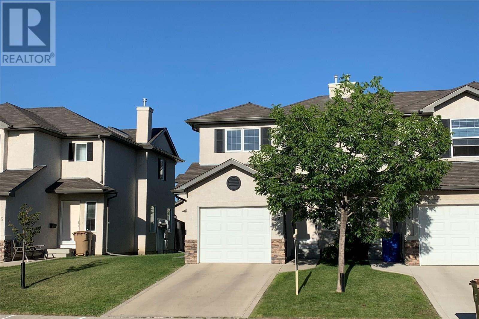 Townhouse for sale at 3101 Tregarva Dr E Unit 5 Regina Saskatchewan - MLS: SK819520