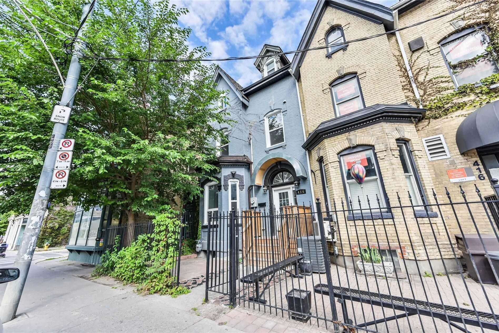 Buliding: 414 Dundas Street, Toronto, ON
