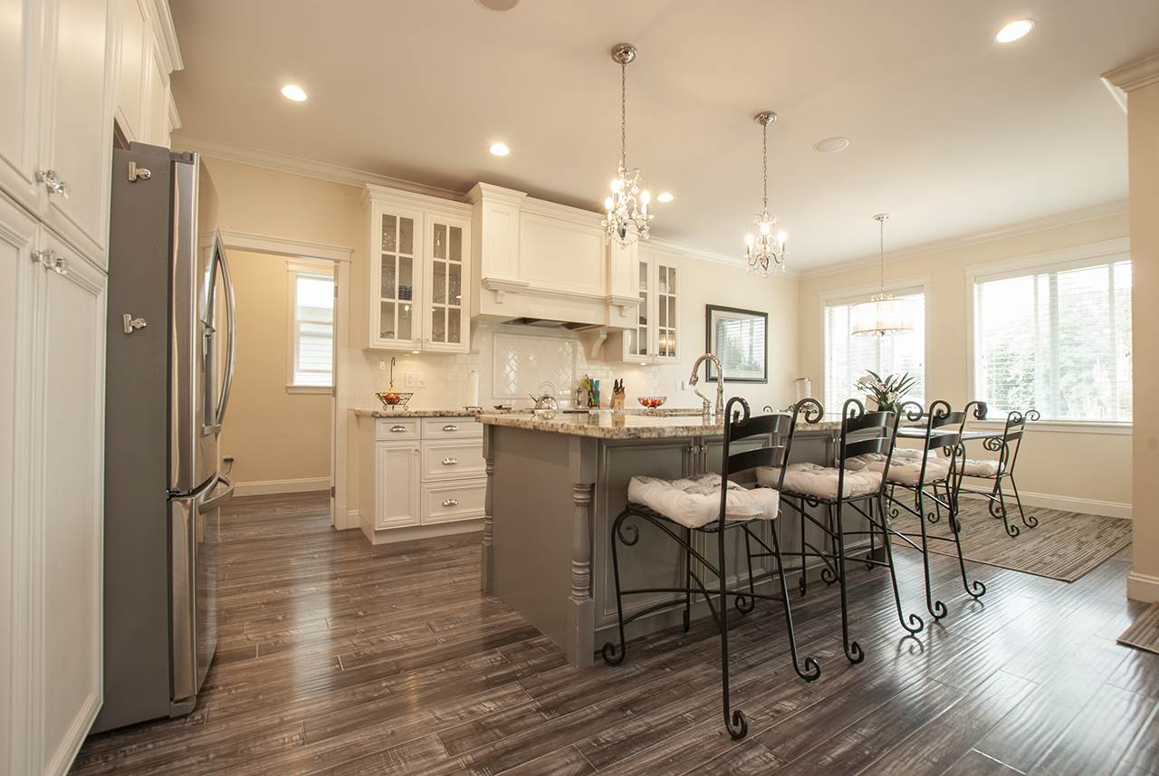 For Sale: 5 - 50354 Adelaide Place, Chilliwack, BC | 5 Bed, 3 Bath House for $775,000. See 20 photos!