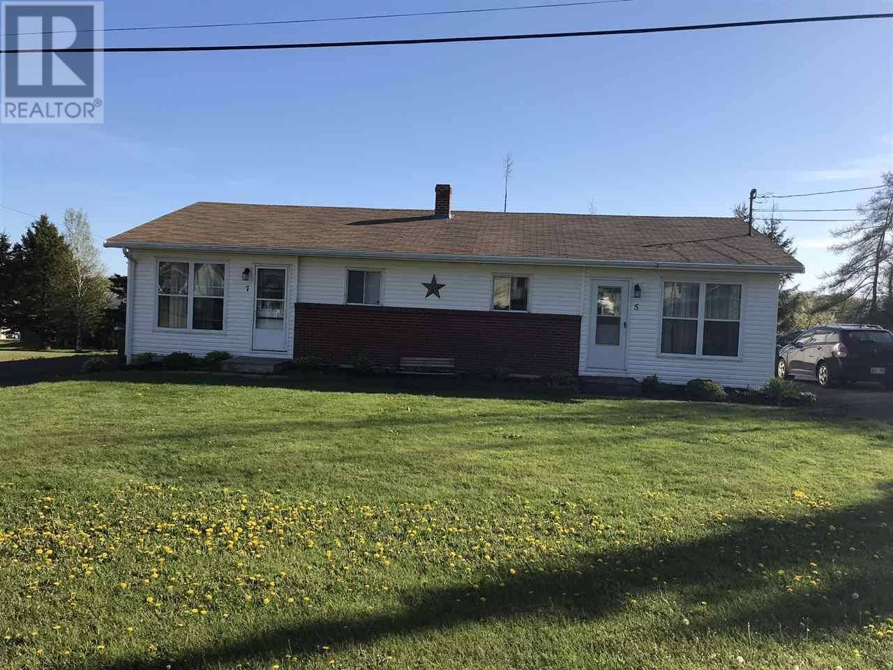 Townhouse for sale at 7 Blink Dr Unit 5 Charlottetown Prince Edward Island - MLS: 201921304