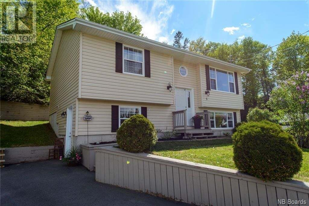 House for sale at 5 Andrew Ct Grand Bay-westfield New Brunswick - MLS: NB044446