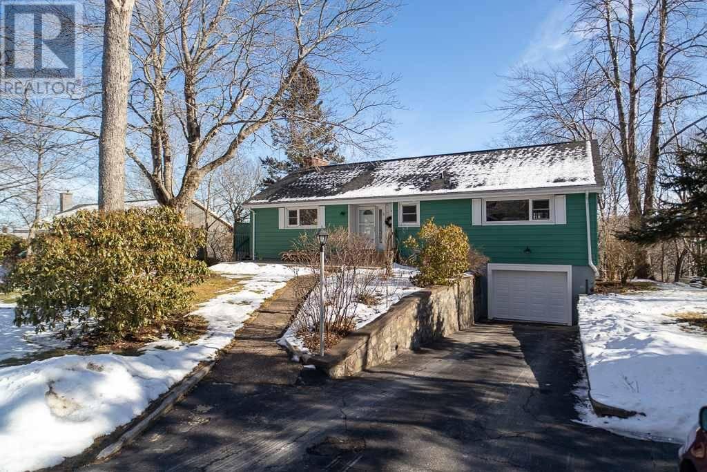 House for sale at 5 Broadholme Ln Halifax Nova Scotia - MLS: 202002191