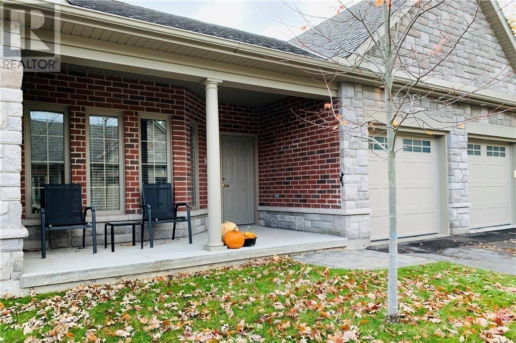 Townhouse for sale at 5 Calberry Ct Lakefield Ontario - MLS: 40036417