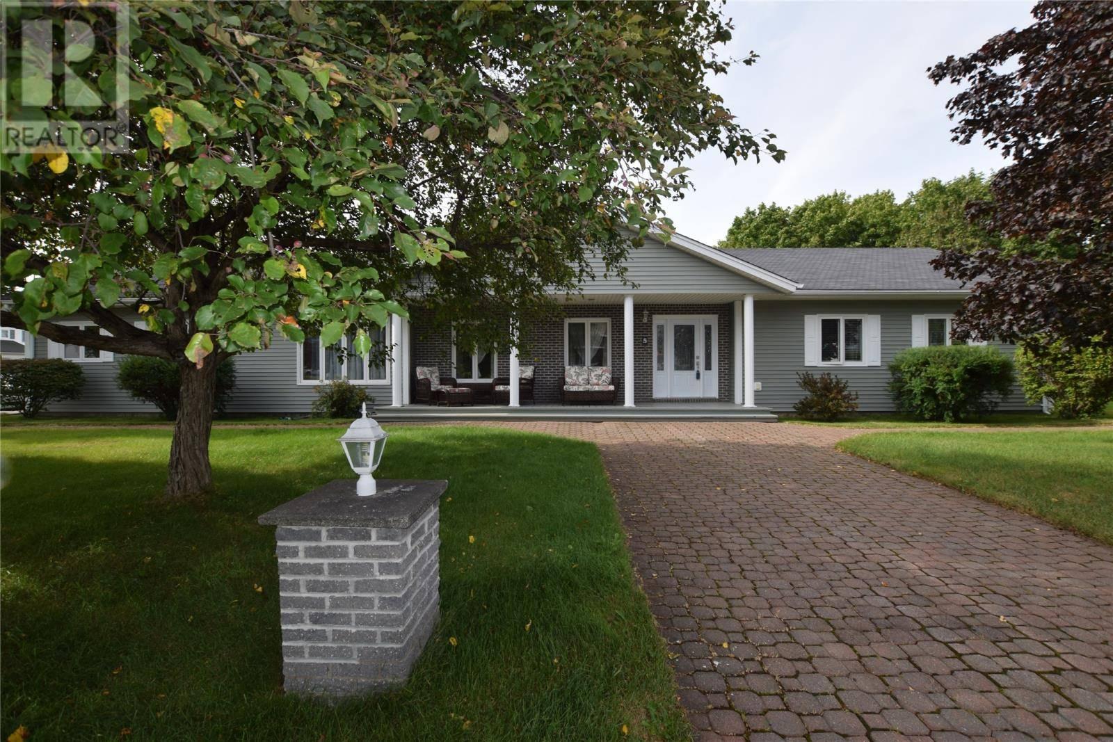 House for sale at 5 Castlewood Dr Pasadena Newfoundland - MLS: 1182660