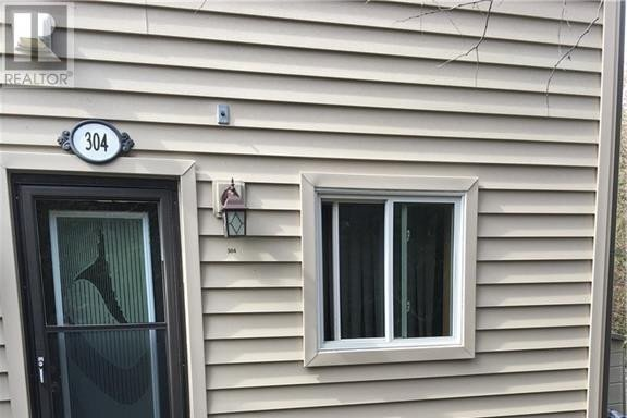 Townhouse for sale at 5 Dawson Dr Collingwood Ontario - MLS: 40048625