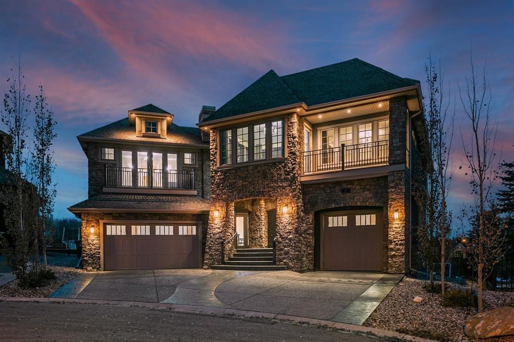 House for sale at 5 Elveden Pt Southwest Calgary Alberta - MLS: A1046496