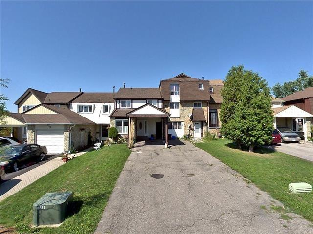 For Sale: 5 Fanshawe Drive, Brampton, ON   3 Bed, 2 Bath Townhouse for $517,900. See 8 photos!