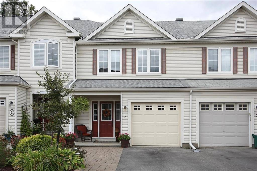 Townhouse for sale at 5 Fieldberry Pt Ottawa Ontario - MLS: 1179180