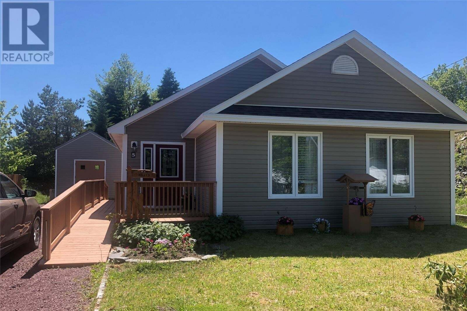 House for sale at 5 Frenchs Rd Bay Roberts Newfoundland - MLS: 1216892