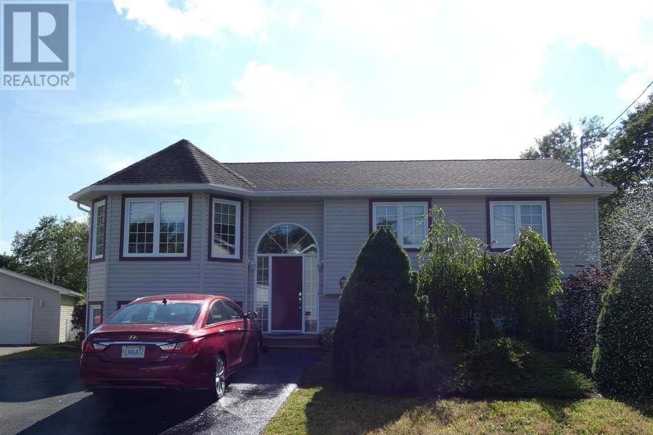 House for sale at 5 Fury Dr Dartmouth Nova Scotia - MLS: 202011469