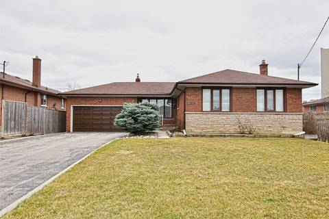 House for sale at 5 Gatesgill Cres Toronto Ontario - MLS: W4410506