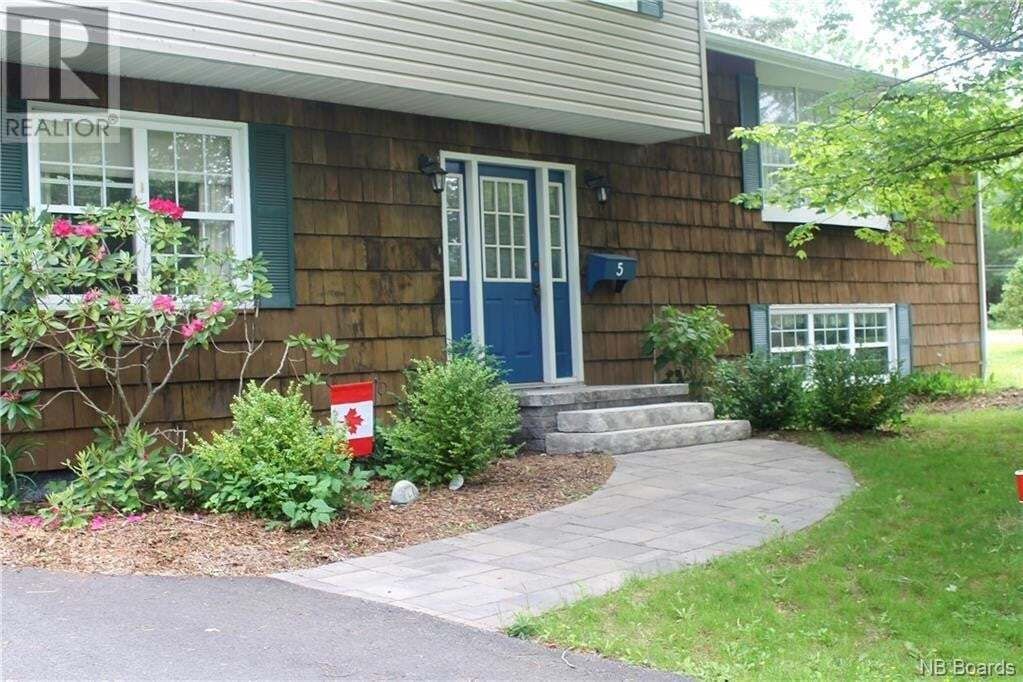 House for sale at 5 Highview Pl Rothesay New Brunswick - MLS: NB045086