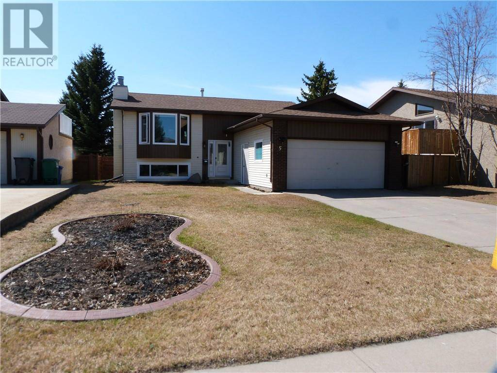 House for sale at 5 Huget Cres Red Deer Alberta - MLS: ca0185635