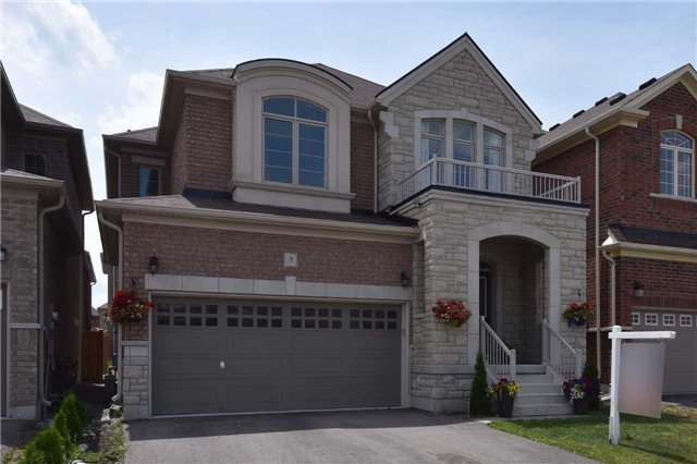 Sold: 5 Juglans Crescent, Whitchurch Stouffville, ON