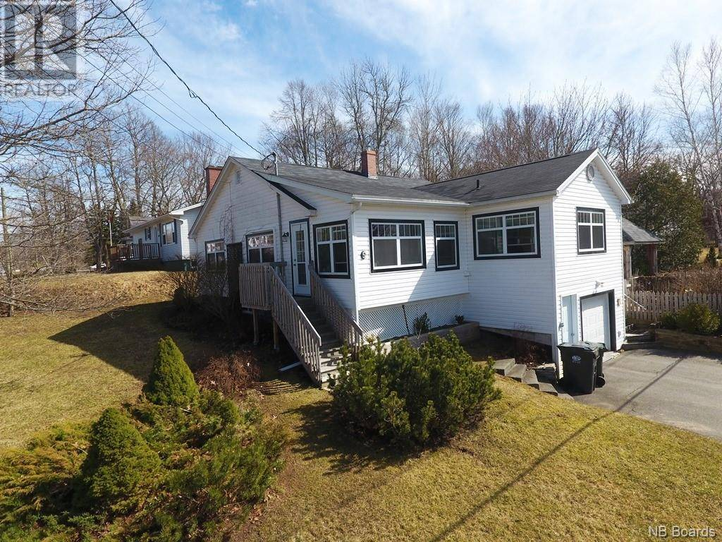 House for sale at 5 Kennebecasis River Rd Hampton New Brunswick - MLS: NB041750
