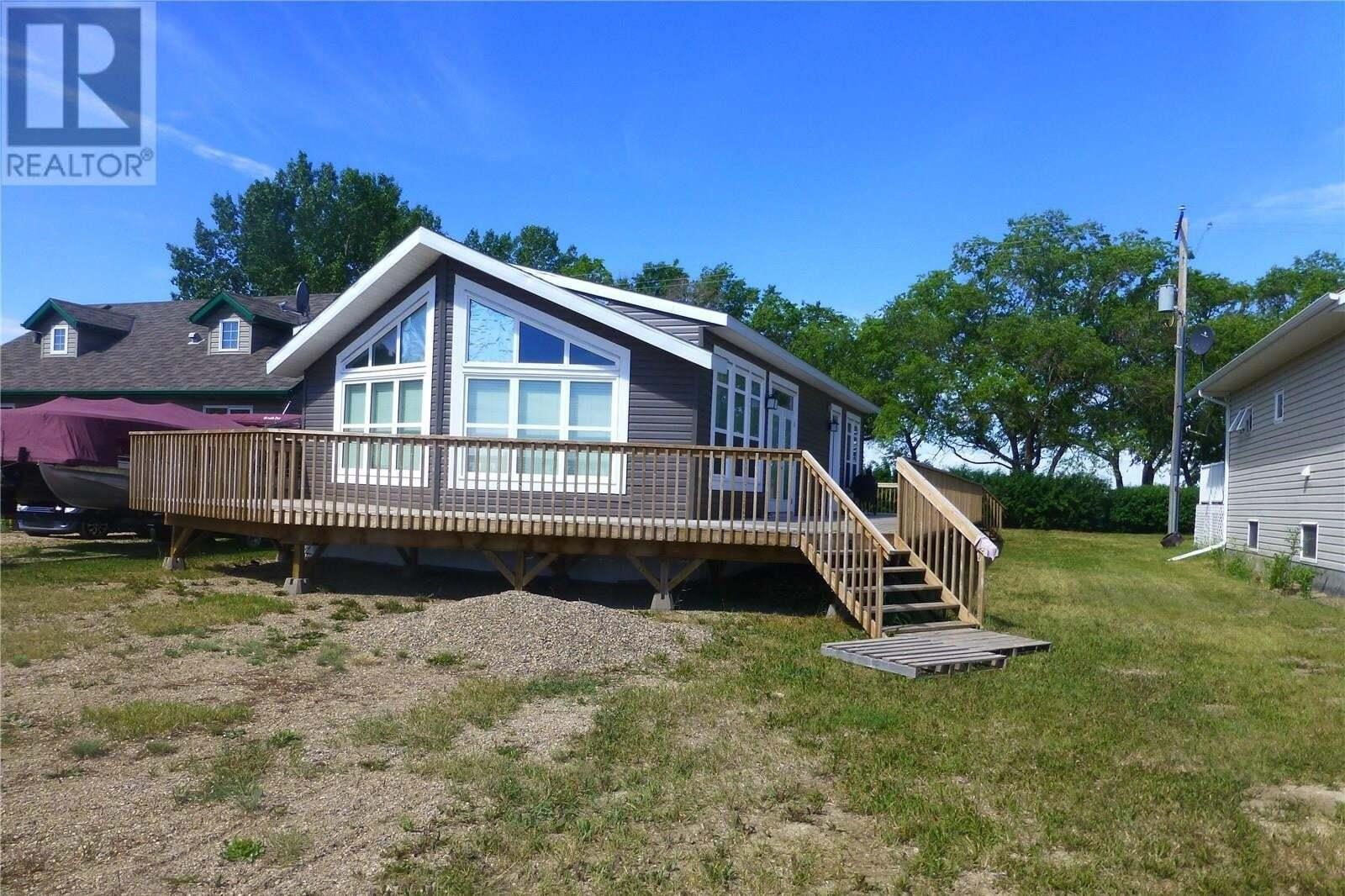 House for sale at 5 Lakeside Rd Elbow Saskatchewan - MLS: SK817869