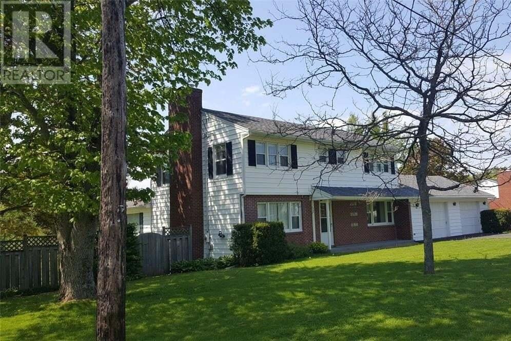 House for sale at 5 Pickard  Sackville New Brunswick - MLS: M127086