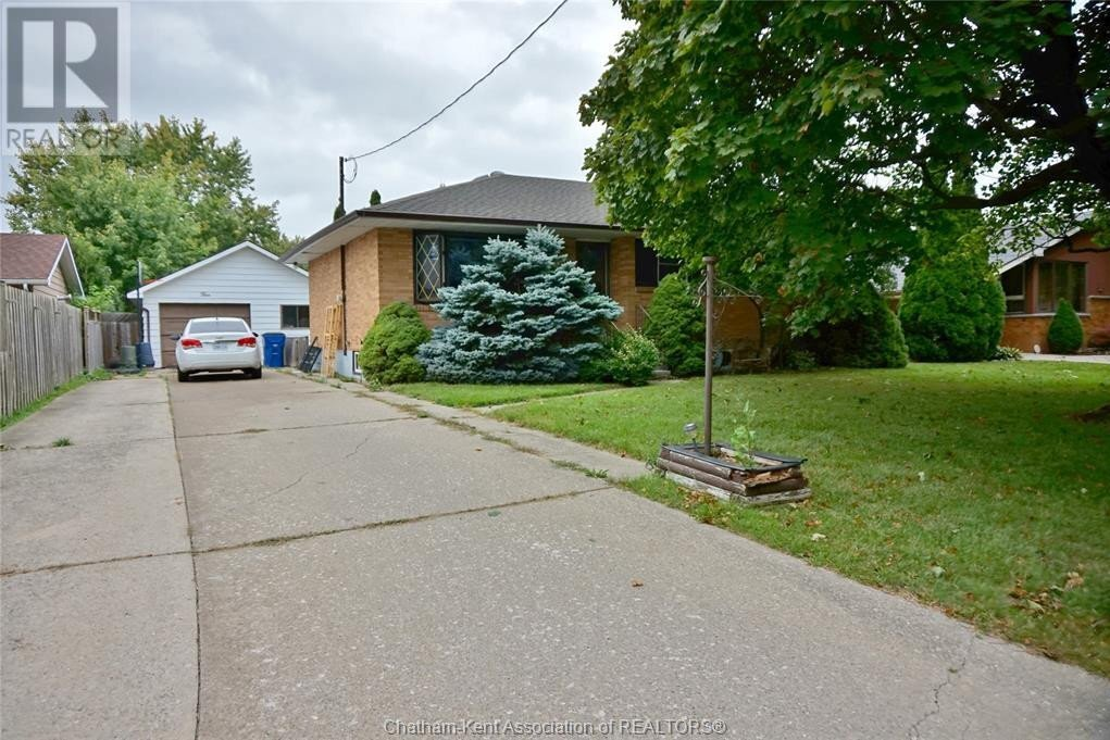 House for sale at 5 Renfrew Ave Chatham Ontario - MLS: 20013891