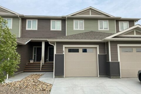 Townhouse for sale at 5 Sage Brush Ave Taber Alberta - MLS: A1028258