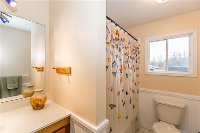 For Sale: 5 Tamarack Court, New Tecumseth, ON | 2 Bed, 1 Bath House for $259,000. See 20 photos!