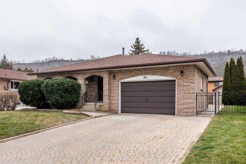 House for sale at 5 Teak St Hamilton Ontario - MLS: X5085676