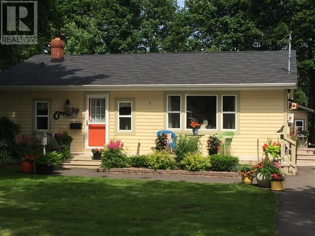 Removed: 5 Vail Drive, Charlottetown, PE - Removed on 2017-08-22 10:02:05