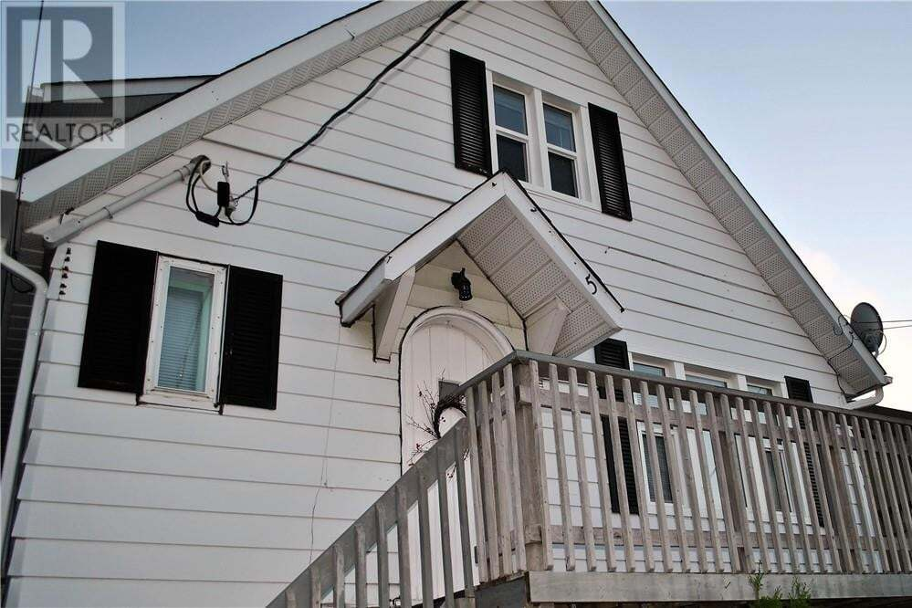 Townhouse for sale at 5 Wembley Dr Sudbury Ontario - MLS: 2084935