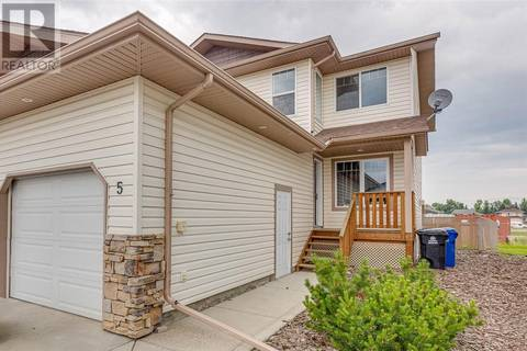 Townhouse for sale at 5 Winston Pl Blackfalds Alberta - MLS: ca0171618