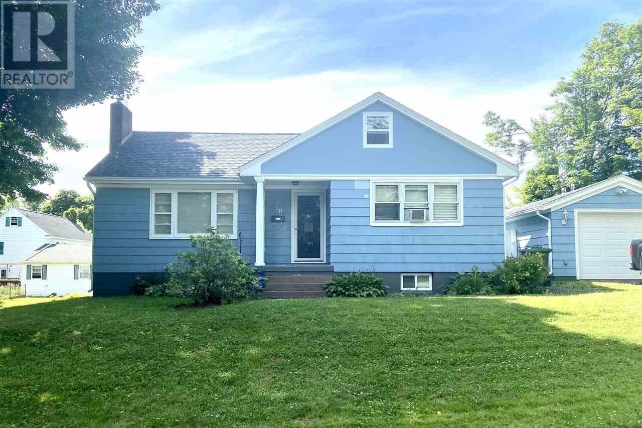 House for sale at 50 Roderick St New Glasgow Nova Scotia - MLS: 202014092