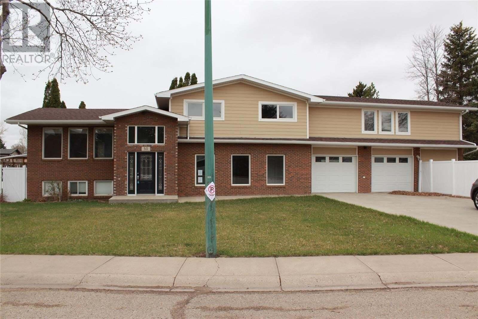 House for sale at 50 Woodlily Dr Moose Jaw Saskatchewan - MLS: SK826535
