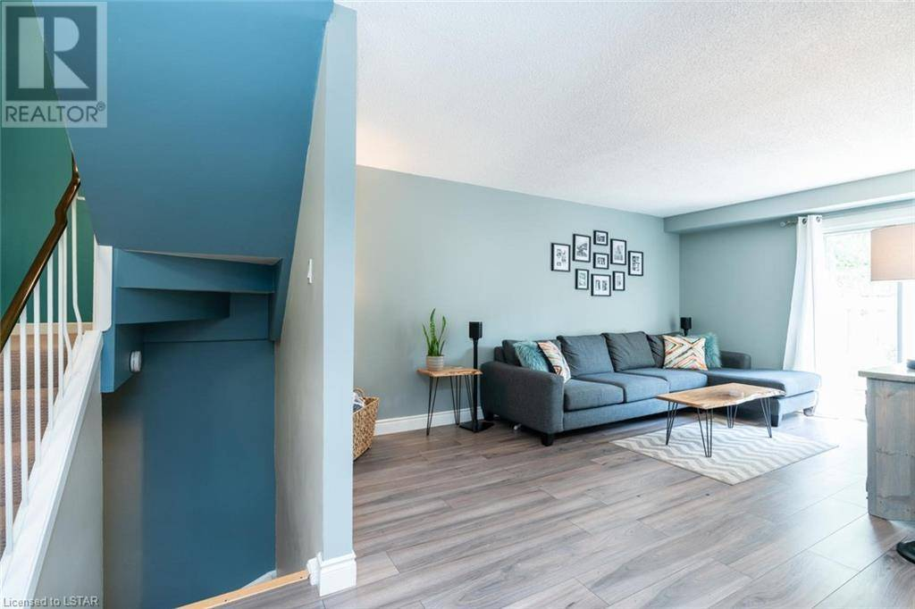 500 68 Osgoode Drive London For Sale 239 000 Zolo Ca