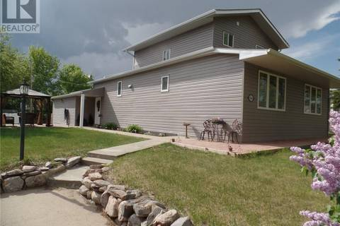House for sale at 5004 Telegraph St Macklin Saskatchewan - MLS: SK733392