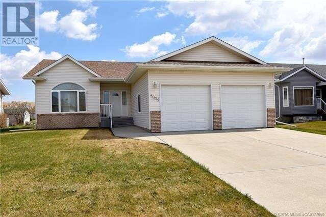 House for sale at 5009 58 St Daysland Alberta - MLS: ca0177058