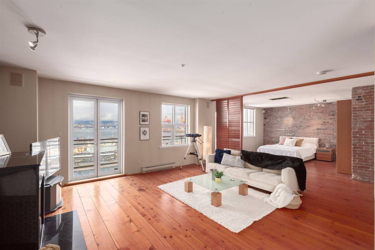 Buliding: 141 Water Street, Vancouver, BC