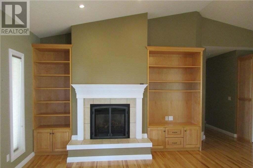 House for sale at 5017 52 St Stettler Alberta - MLS: CA0180276