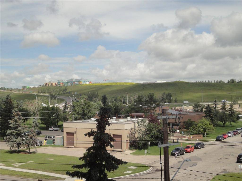 Condo for sale at 145 Point Dr Nw Unit 502 Point Mckay, Calgary Alberta - MLS: C4241434