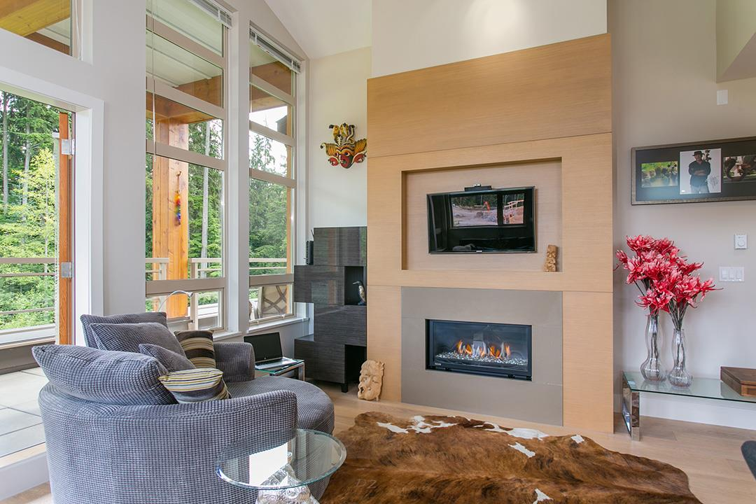 For Sale: 502 - 3606 Aldercrest Drive, North Vancouver, BC | 3 Bed, 2 Bath Condo for $1,038,000. See 20 photos!