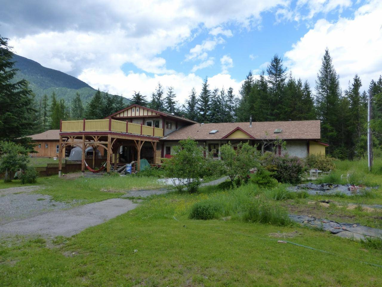 Townhouse for sale at 502 Oak Street  Kaslo British Columbia - MLS: 2451658