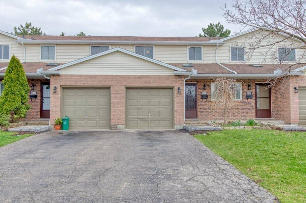 Townhouse for sale at 5020 Friesen Blvd Beamsville Ontario - MLS: H4076647