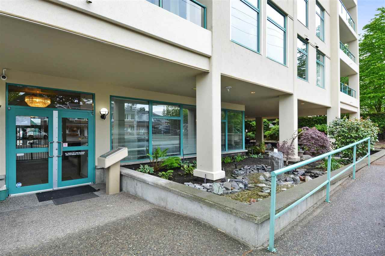 Buliding: 15466 North Bluff Road, White Rock, BC