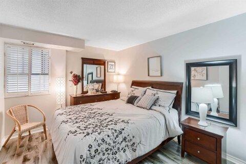 Condo for sale at 4 Lisa St Unit 503 Brampton Ontario - MLS: W4999578