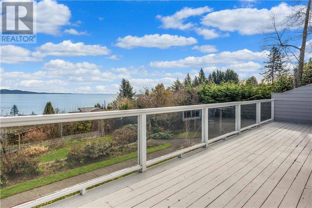 House for sale at 5033 Wesley Rd Victoria British Columbia - MLS: 423202