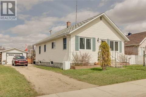 House for sale at 5036 46 St Innisfail Alberta - MLS: ca0164709