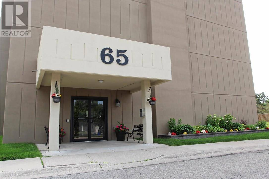Apartment for rent at 65 Highland Cres Unit 504 Kitchener Ontario - MLS: 30750749