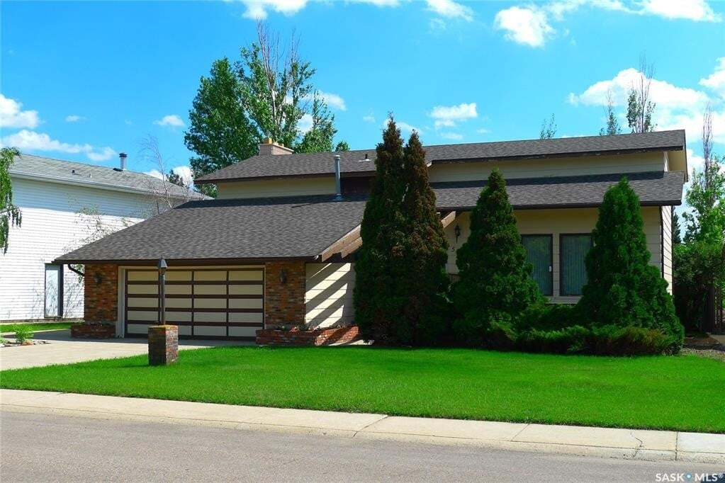 House for sale at 504 8th Ave W Biggar Saskatchewan - MLS: SK817096