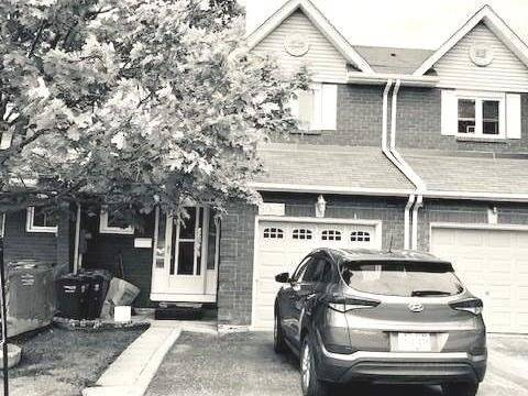 Townhouse for sale at 5049 Willowood Dr Mississauga Ontario - MLS: W4471073