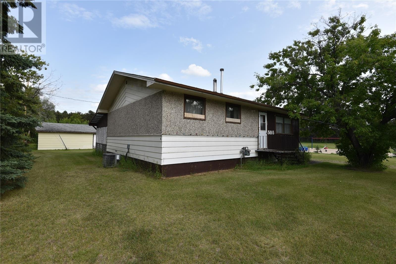 House for sale at 505 Alfred St N Nipawin Rm No. 487 Saskatchewan - MLS: SK819703