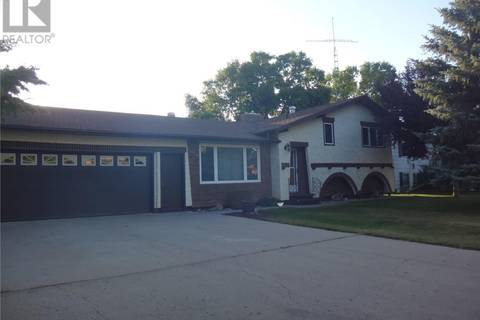 House for sale at 505 First St NW Wadena Saskatchewan - MLS: SK792659