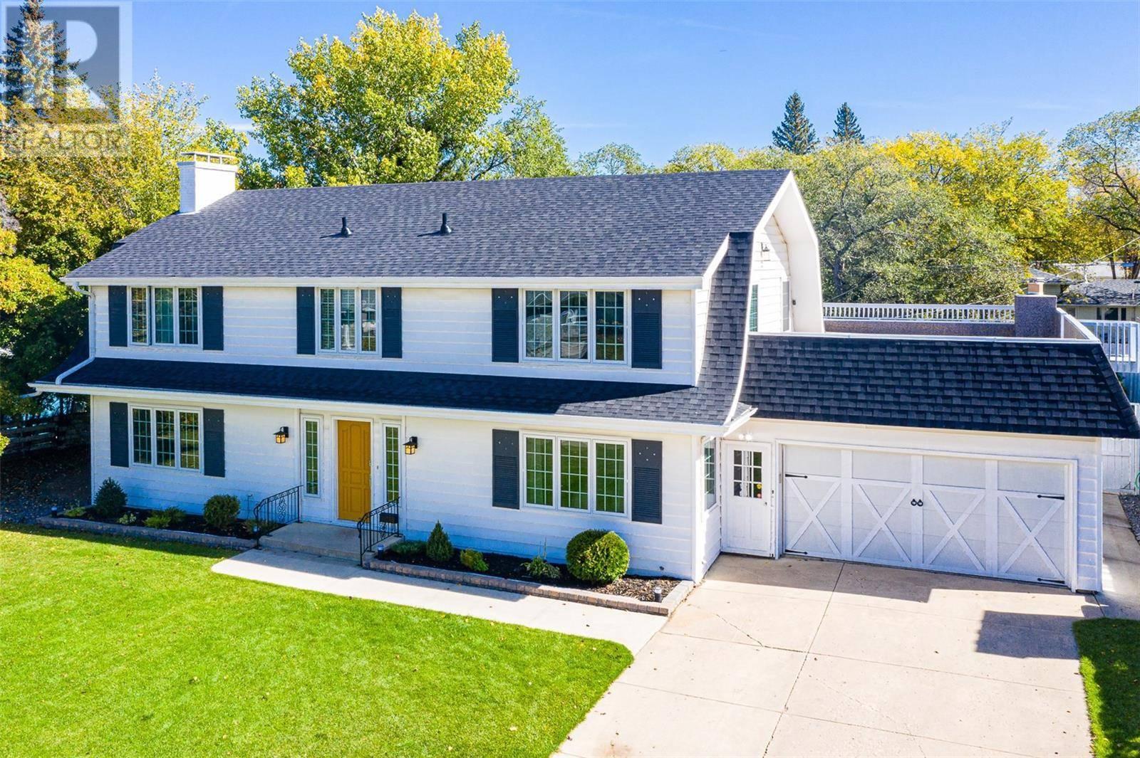 House for sale at 505 Lake Cres Saskatoon Saskatchewan - MLS: SK786640