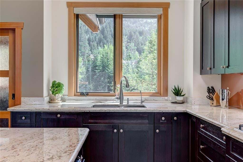 505 Silvertip Point, Silvertip, Canmore | Image 2